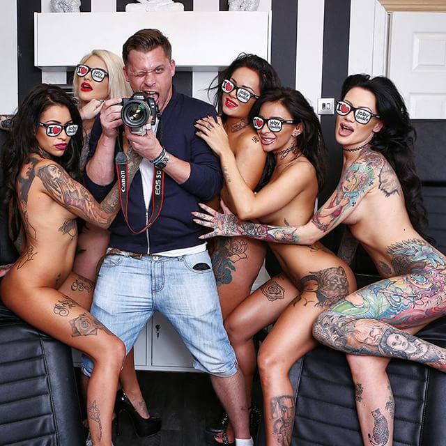 Outtake with @beckylocoholt and the @locotattoolounge dolls!!